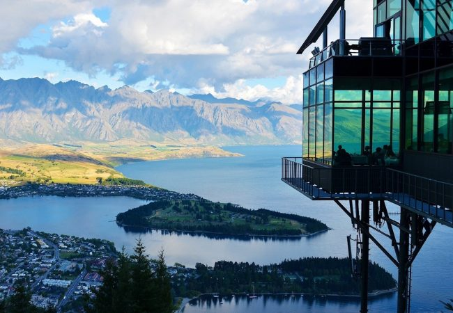 new-zealand-lake-mountain-landscape-37650